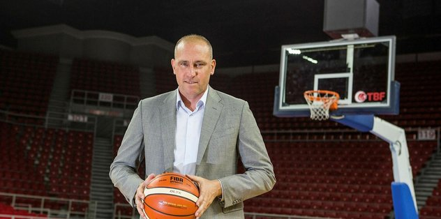 Erdenay kolları sıvadı - Basketbol -