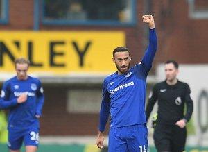 Cenk Tosun Evertondaki ilk golüne böyle sevindi!