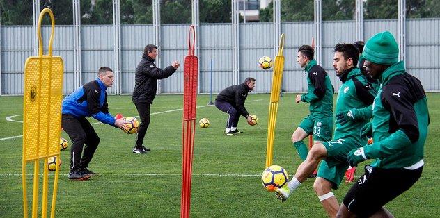 Bursaspor Malatyaspor'a hazırlanıyor
