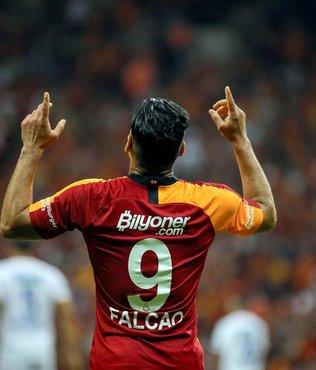 Galatasaray 'pençesini' arıyor! Radamel Falcao...