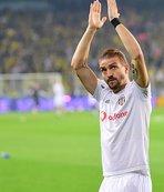 UEFA Beşiktaşlıları kızdırdı! Sonra geri adım attı...