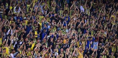 Fenerbahçe taraftarından Süleyman Seba'ya küfür