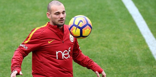 Sneijder İstanbul'a