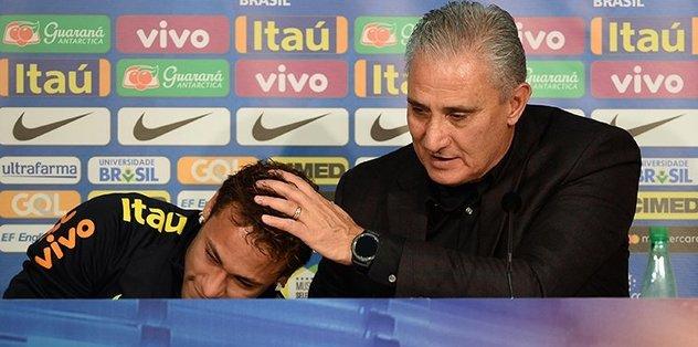 Neymar basın toplantısında gözyaşlarını tutamadı