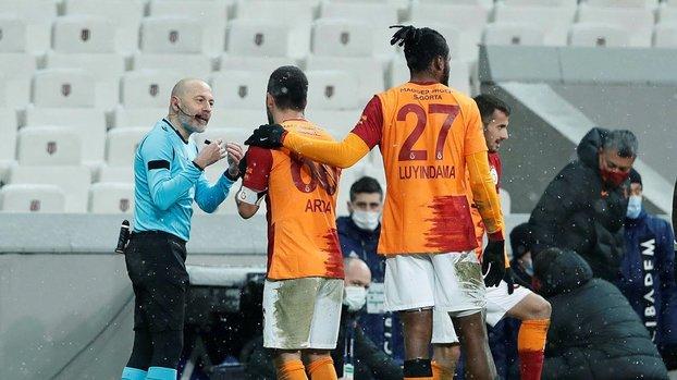 Beşiktaş - Galatasaray derbisine damga vuran anlar! Arda Turan ve Cüneyt Çakır... #