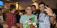 Beşiktaş kafilesine Erzurumda çiçekli karşılama