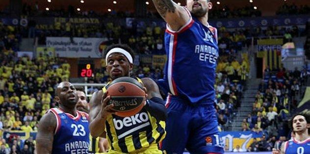 Fenerbahçe Beko EuroLeage'in bitimine 6 hafta kala Play-Off'ta ilk 4'ü garantiledi