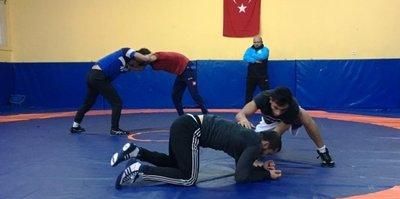 İzmit Belediyespor yeni güreşçilerini seçiyor