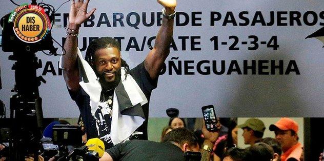 Adebayor'un Olimpia macerası kısa sürdü!
