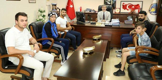 Muay Thai şampiyonlarından Başkan Şirin'e teşekkür