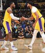 Anthony Davis coştu Lakers kazandı