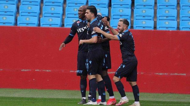 Son dakika spor haberleri: Trabzonspor Galatasaray deplasmanında 3 puan peşinde! #