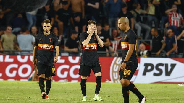 Son dakika spor haberi: PSV Eindhoven-Galatasaray maçı sonrası Ahmet Çakar'dan sert eleştiri! 4. Lig takımı gibi