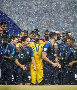 Fransa'nın tarihi başarısı ülke basınında