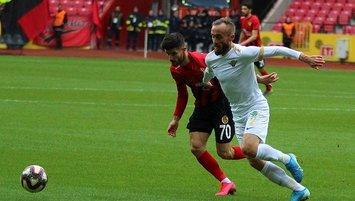Akhisarspor deplasmanda 2 golle güldü!