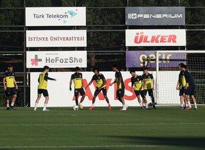 Stoperde oynamak istemediler! Fenerbahçe'de...