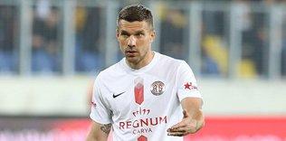 """lukas podolski antalyasporda mutlu 1595845079725 - Podolski'den Galatasaray sözleri! """"Sonuna kadar..."""""""