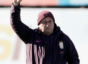 Galatasaray'a transferde üç kötü haber!