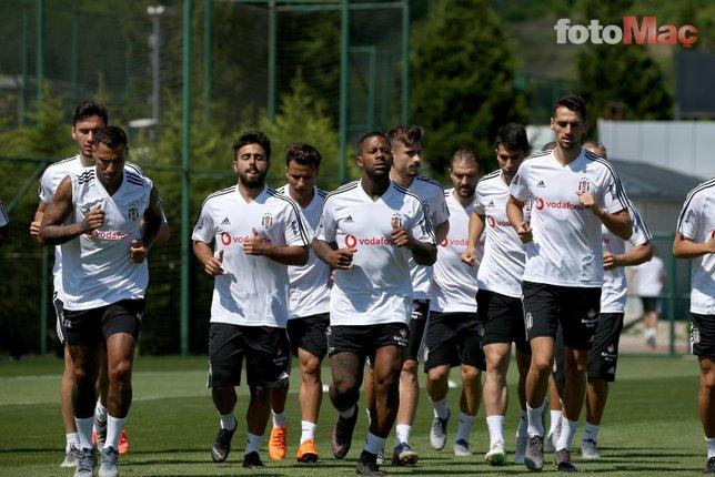 Beşiktaş'ta stoperde iki aday