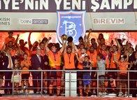 Başakşehir'den Başkan Erdoğan'a büyük jest! Forması emekli edildi