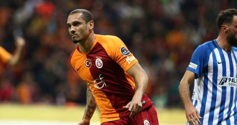Galatasaray'da Maicon'un sözleşmesi askıya alındı