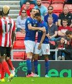 Sunderland ligin dibine demir attı