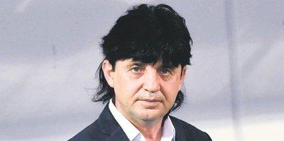 Suat Kaya 20 yıllık peruğunu çıkardı! İşte saç ekim görüntüsü...