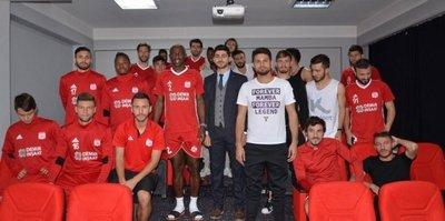 Sivasspor'da futbolculara beslenme eğitimi verildi