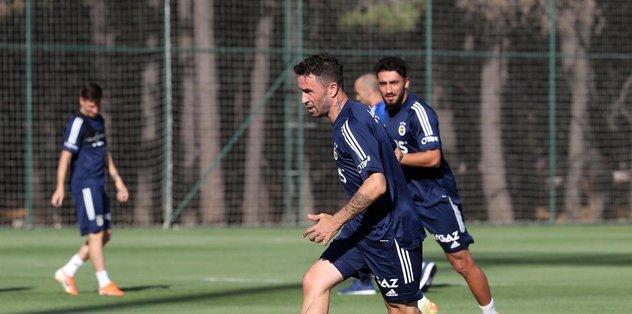 Fenerbahçe'de hazırlıklar devam ediyor - Futbol -