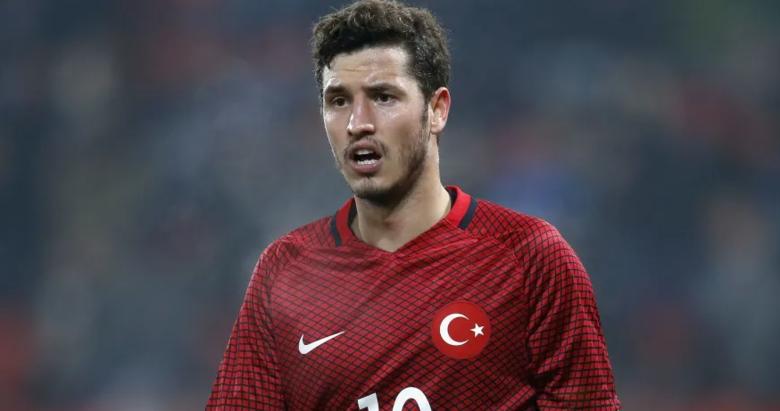Sürpriz karar... Yeni 10 numara Salih Uçan! Galatasaray... Son dakika transfer haberleri