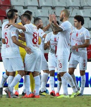 Antalyaspor'da 5 isimle yollar ayrıldı!