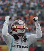 Formula 1'de şampiyon Lewis Hamilton!