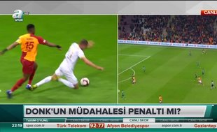 """Erman Toroğlu: """"Donk'un Kravets'e yaptığı müdahale penaltı"""""""