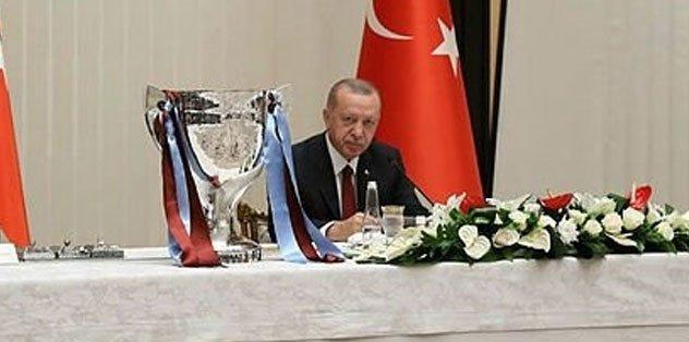 Başkan Recep Tayyip Erdoğan Trabzonspor Yönetimi'ni ve futbolcularını kabul etti - Futbol -