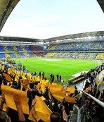Fenerbahçe taraftarı önünde Feyenoord'u ağırlıyor!
