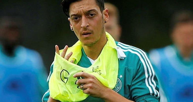 Mesut Özil Meksika karşısında yok!...