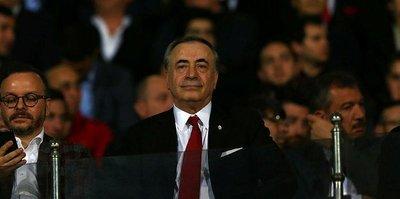 Galatasaray yönetimi protokole sığmadı