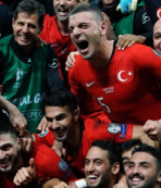 """Skulason: """"52 bin Türk'ün önünde cesaret ister"""""""
