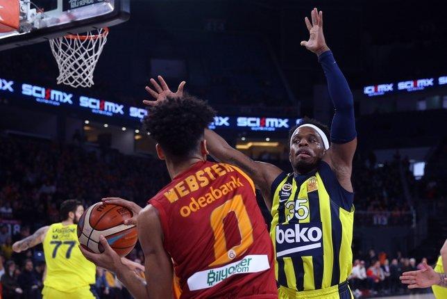 Galatasaray - Fenerbahçe derbisinden kareler