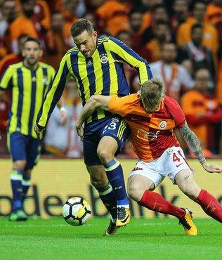 Derbide Cüneyt Çakır'dan kritik karar! Janssen'in golü...