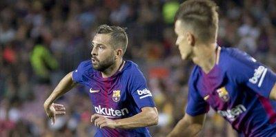 Barcelona defender pledges future to his club