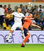 Başakşehir, Bursaspor'a konuk oluyor