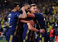 """Fenerbahçeli yıldıza şok sözler! """"Kafasında futbolu bırakmış"""""""