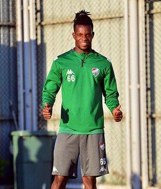 Bursaspor'da Diarra takımdan ayrıldı