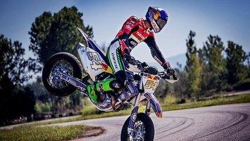 Milli motosikletçi Toprak Razgatlıoğlu'nun Kovid-19 testi yine pozitif çıktı