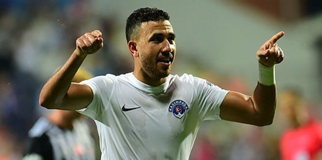 Kasımpaşalı Trezeguet Slavia Prag için Çekya'ya gitti