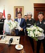 Bursa Valisi İzzettin Küçük, tribün liderleriyle buluştu