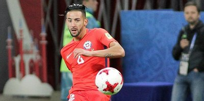 Fenerbahce to sign Chilean right-back Isla