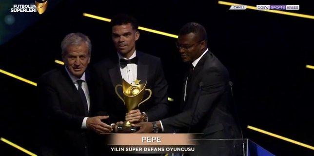 Futbolun Süperleri ödüllerini aldı!