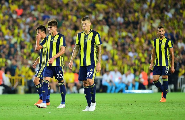 İşte yeni Fenerbahçe! Cocu bir isim hariç kadroyu belirledi